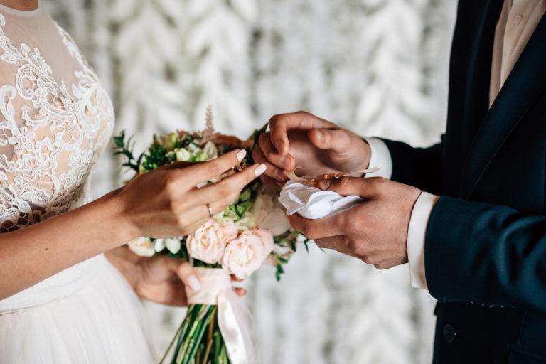結婚式結婚指輪交換