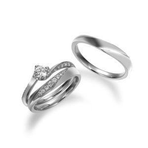 流れるダイヤモンドの瞬きが美しいセットリング