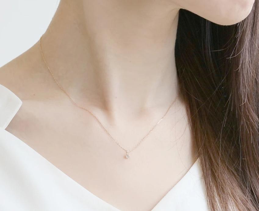 本物をさりげなく身につけたい一粒ダイヤモンドのネックレス 人気のデザインは?