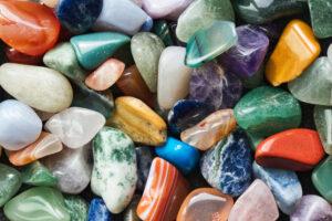 宝石の原石アースカラー