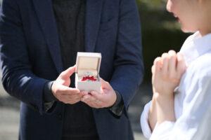 プロポーズには「プロポーズリング」を…一生忘れないプロポーズを演出