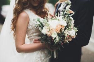 結婚指輪の選択肢が多彩に!シンプル+αを取り入れる、人気の素材やデザインをチェック